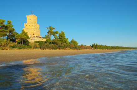 vista spiaggia con Torre