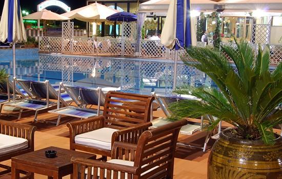 hotel imperial piscina